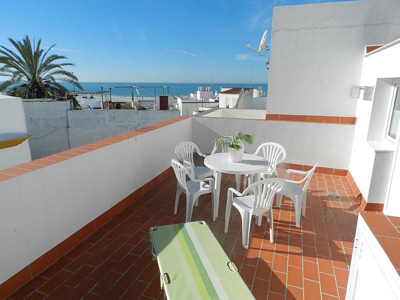 Apartamento con terraza apartamentos calle alta for Terrazas individuales